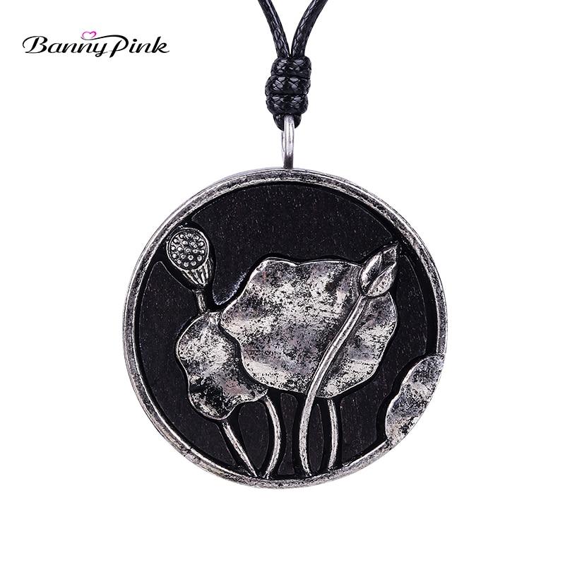 Banny Rose Ethnique Alliage lotus Ronde Bois Pendentif Collier Pour Femmes Vintage Longue Corde Chaîne Collier Mode Bijoux Colliers