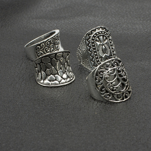 Image 4 - Lote de anillos barrocas de estilo gótico tribal para hombre y mujer, de alta calidad, tallados, vintage, bronce, 25 uds., venta al por mayor