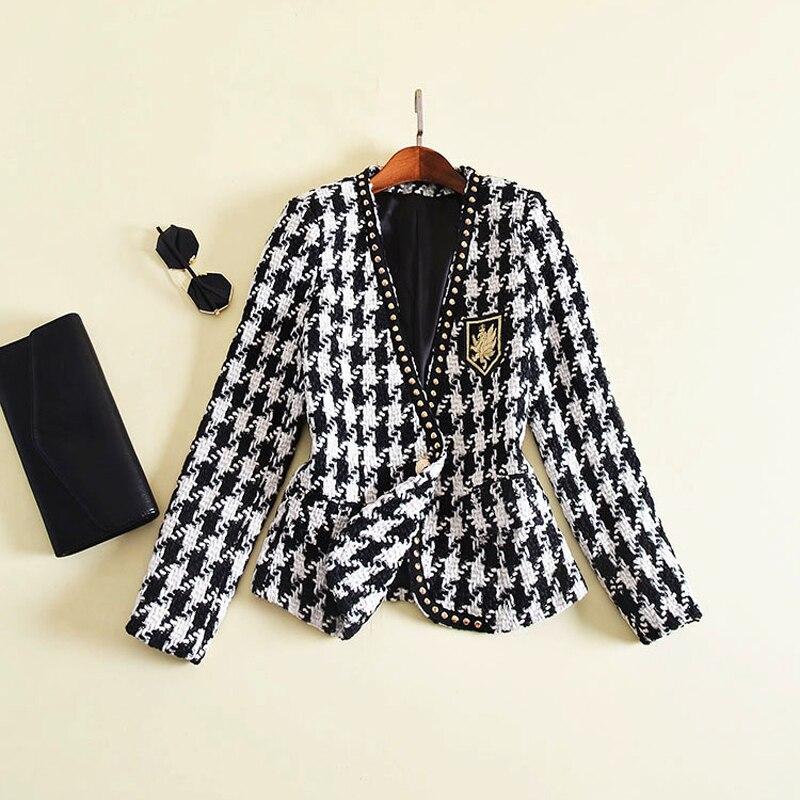 Nueva moda pasarela 2019 chaqueta de diseñador de manga larga de mujer insignia bordado remache Houndstooth Tweed chaqueta abrigo exterior-in chaquetas básicas from Ropa de mujer    1