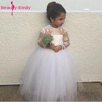 Adorabile Manica Lunga Flower Girl Dress Per La Cerimonia Nuziale Con Puffy abito di Sfera di Tulle Gonna Neckline della Paletta Lunga Sheer Abiti da sposa