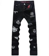 Горячие продажи Вышивка Мужчины Джинсы Мода Черный Вырез Брюки
