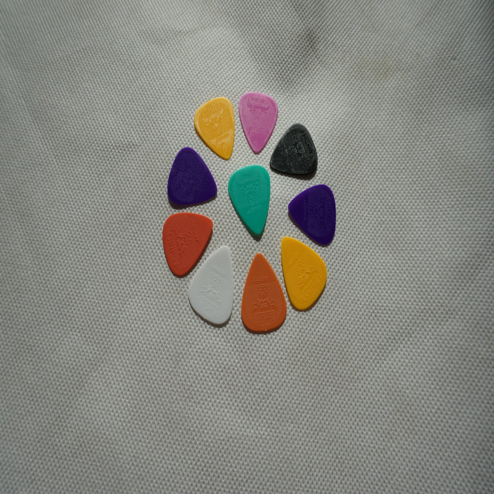 Top Quality 10pcs/set Smooth Guitar Picks, Different colors, not the same thickness(0.5/0.6/0.73/0.88/1.0/1.14)