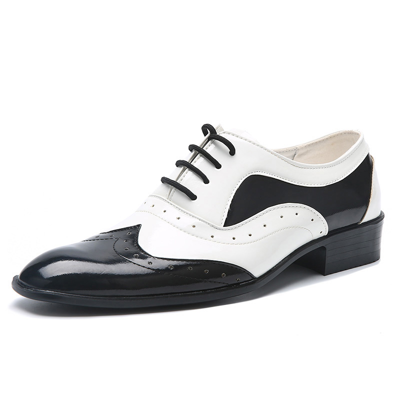 New fashion mens trend shoes pointed toe casual flats men wedding brogue shoes male japanned leather formal shoes black whiteNew fashion mens trend shoes pointed toe casual flats men wedding brogue shoes male japanned leather formal shoes black white