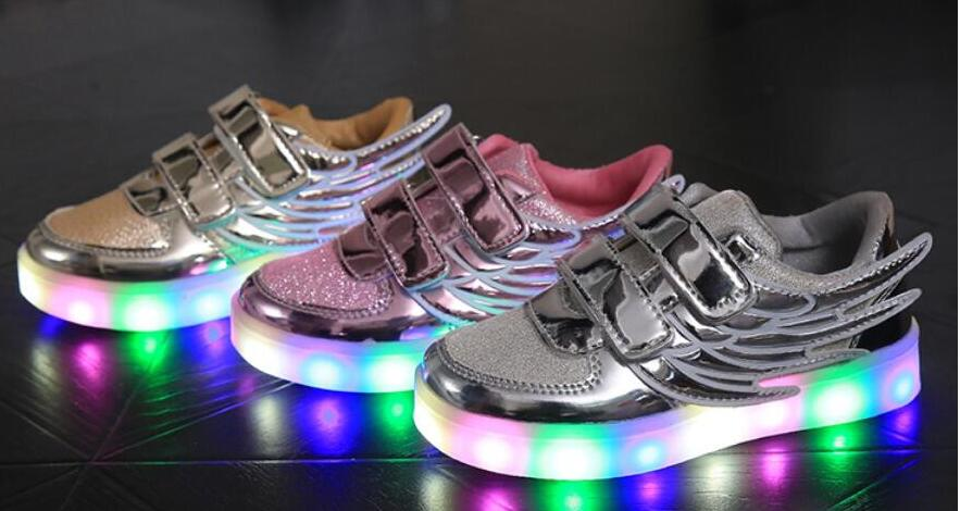 Retail 2017 new children&#8217;s sports shoes fashion shoes for men and women <font><b>wings</b></font> baby shoes breathable mesh <font><b>LED</b></font> lights