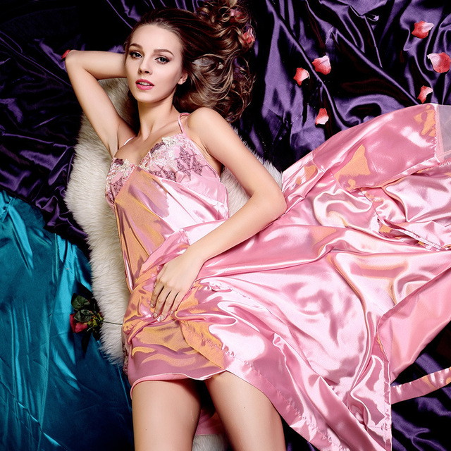 Women Robe 2016 Spring Summer Autumn Fashion Pajamas For Women Robe Sexy Condole Sets Emulation Silk Pijama Gown Sets