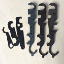 Комбинированный гаечный ключ AR15 включает в себя гаечный ключ для замка, гаечный ключ, гаечный ключ, инструмент для намордника, тормоза, инструмент для вспышки, ручной инструмент