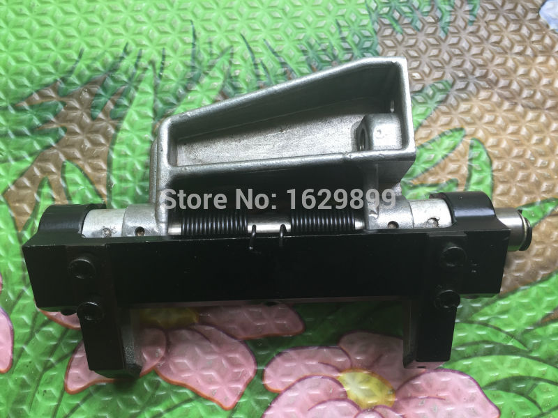 1 piece feed gripper assembly for Heidelberg GTO china post free shipping feed gripper assembly for gto heidelberg gto machine spare parts
