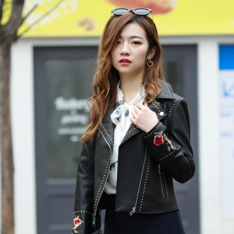 Embroidery Leather Jacket Women New 2018 Rivets Punk Studded Leather Coat Motorcycle Biker Short PU Jackets L18BD289