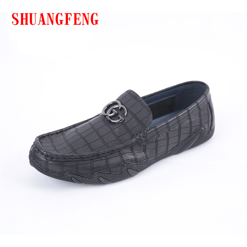 SHUANGFENG Brand 2018 New Fashion Soft Moccasins Men Loafers Flat Shoes Genuine Leather Shoes Men Flats Gommino Driving Shoes 2017 new brand breathable men s casual car driving shoes men loafers high quality genuine leather shoes soft moccasins flats