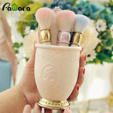 High Quality Noble Relief Makeup Barrel Figure Portrait Barrel Barrel Cosmetic Bucket Desktop Brush Barrel for ladies Case