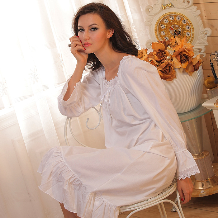 c858ba733e 2015 New Pure cotton Nightgown retro palace long sleeved sleepwear princess  Nightdress for women nightwear home clothing-in Nightgowns   Sleepshirts  from ...