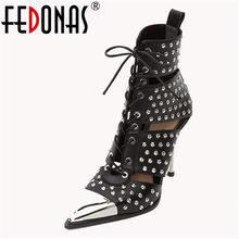 FEDONAS Neue Marke Design Mode Punk Frauen Stiefeletten 2019 Sommer Hohl Sandalen Lace Up Nieten High Heels Party Schuhe frau(China)