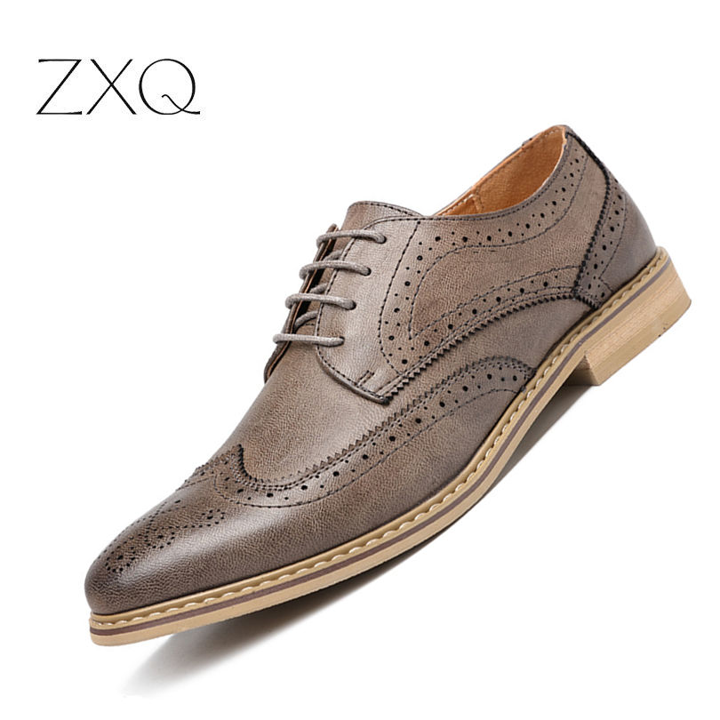 Luxury Italian Men Brogue Dress Shoes Lace Up Carved Swing Oxfords Shoes For Men Retro Brand Men Leather FlatLuxury Italian Men Brogue Dress Shoes Lace Up Carved Swing Oxfords Shoes For Men Retro Brand Men Leather Flat
