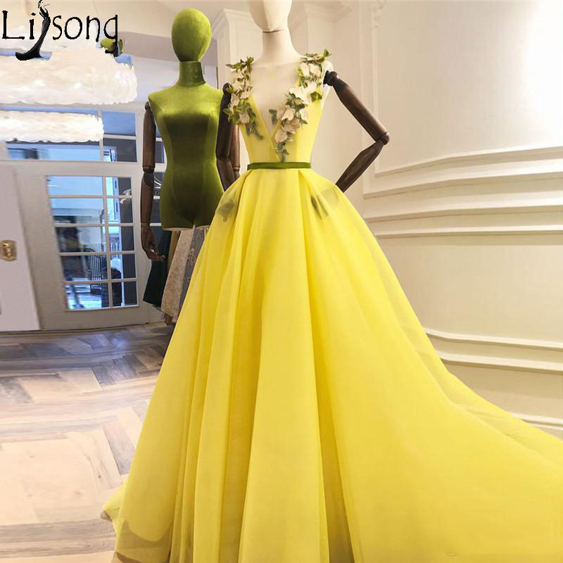 Blight Yellow 3D Flower   Prom     Dresses   V-neck Lace Up A-line Long Formal   Dress   Pretty Evening Gowns Vestido Longo Abendkleider