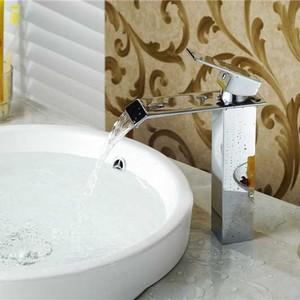 Single handle waterfall bathro