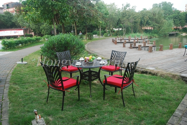 Outdoor cast aluminum table and chairs furniture supplier