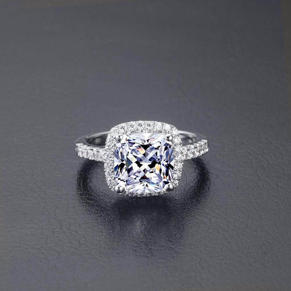 1 Carat Fabulous Excellent Clear Cushion Cut Synthetic Diamonds