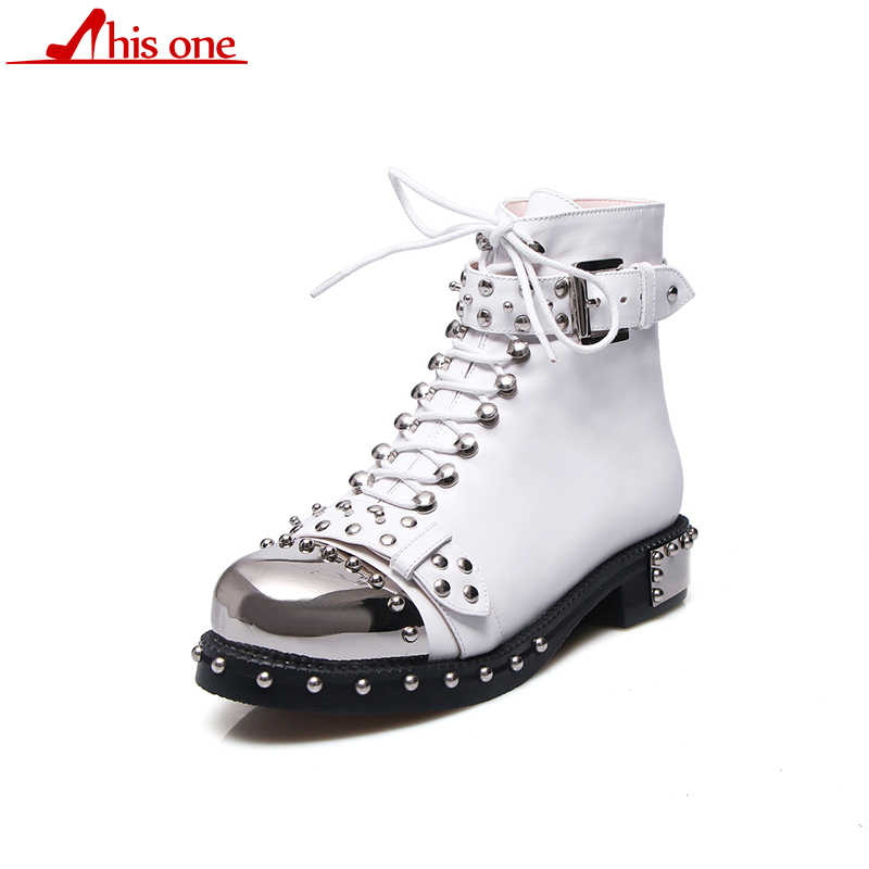 Ботинки из натуральной кожи в стиле панк; женская обувь с пряжкой и заклепками; ботильоны на квадратном каблуке; мотоциклетные ботинки с круглым носком; 43