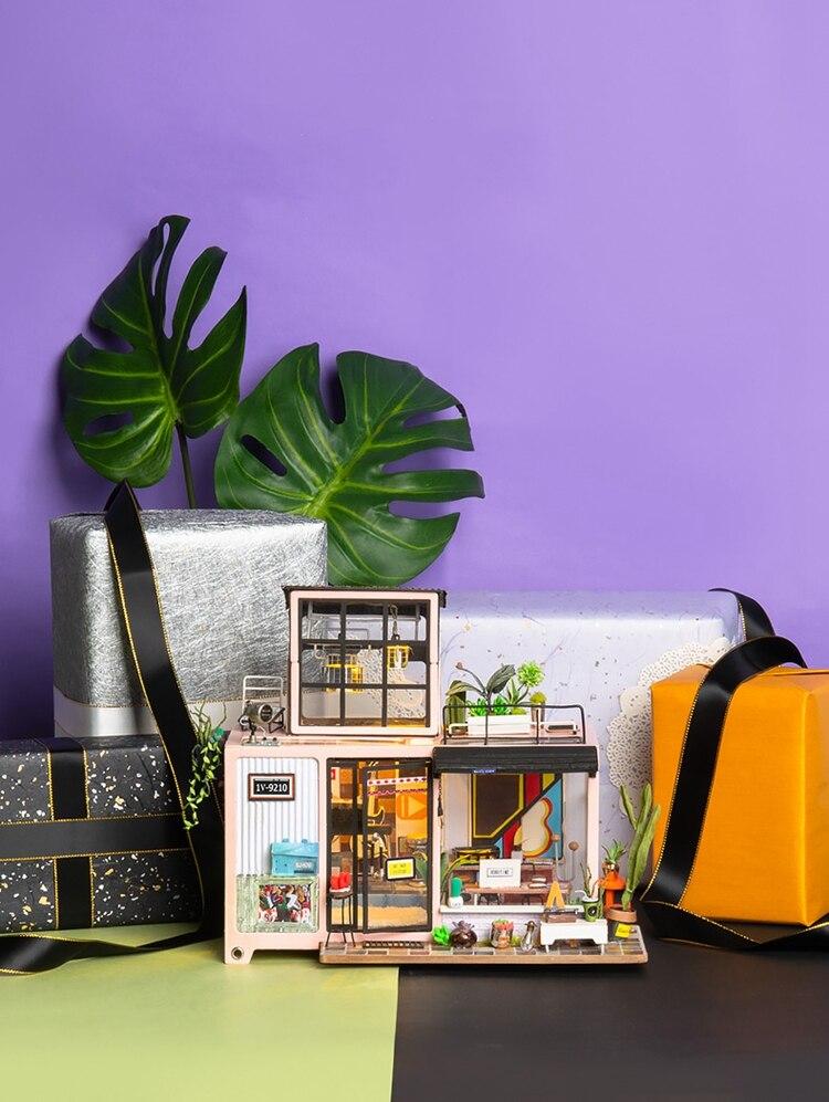 DIY 'Kevin's Studio' Miniature Doll House Model Building Kits 13