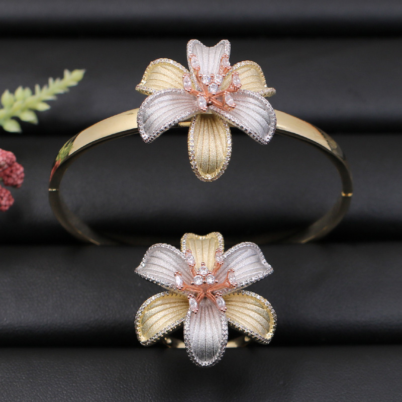 Lanyika Jewelry Set Dubai Big Blooming Flower Bangle with Ring for Engagement Wedding Micro Paved Popular Luxury Best GiftsLanyika Jewelry Set Dubai Big Blooming Flower Bangle with Ring for Engagement Wedding Micro Paved Popular Luxury Best Gifts