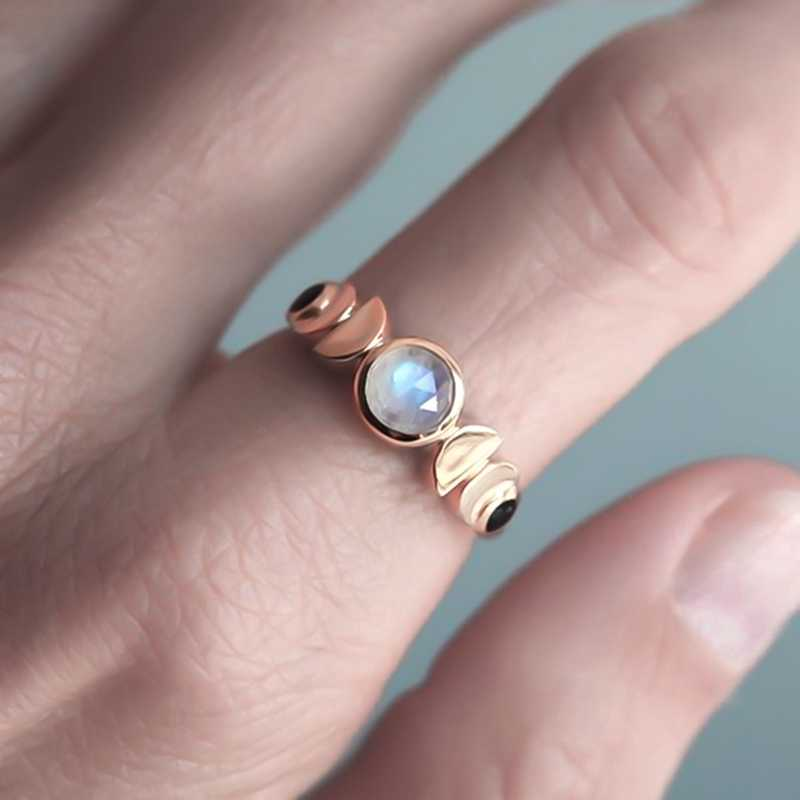 Trendy Waxing Moon Phase Ring Moon Cycle Ring Ladies Imitate Moonstone Crystal Ring Retro Celestial Jewelry Gift