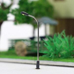 Image 1 - 20 stücke 1/200 Modell Eisenbahn Zug Lampe Post Straße Licht N Z Skala 1:200 LEDs LQS05 NEUE Gebäude 4,2 cm