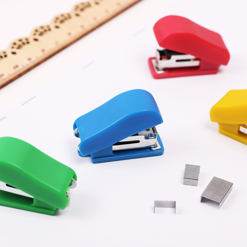 Mini Small Portable Stapler Office Staple Student Gift Stapling Machine Grampeador Office Binding Supplies