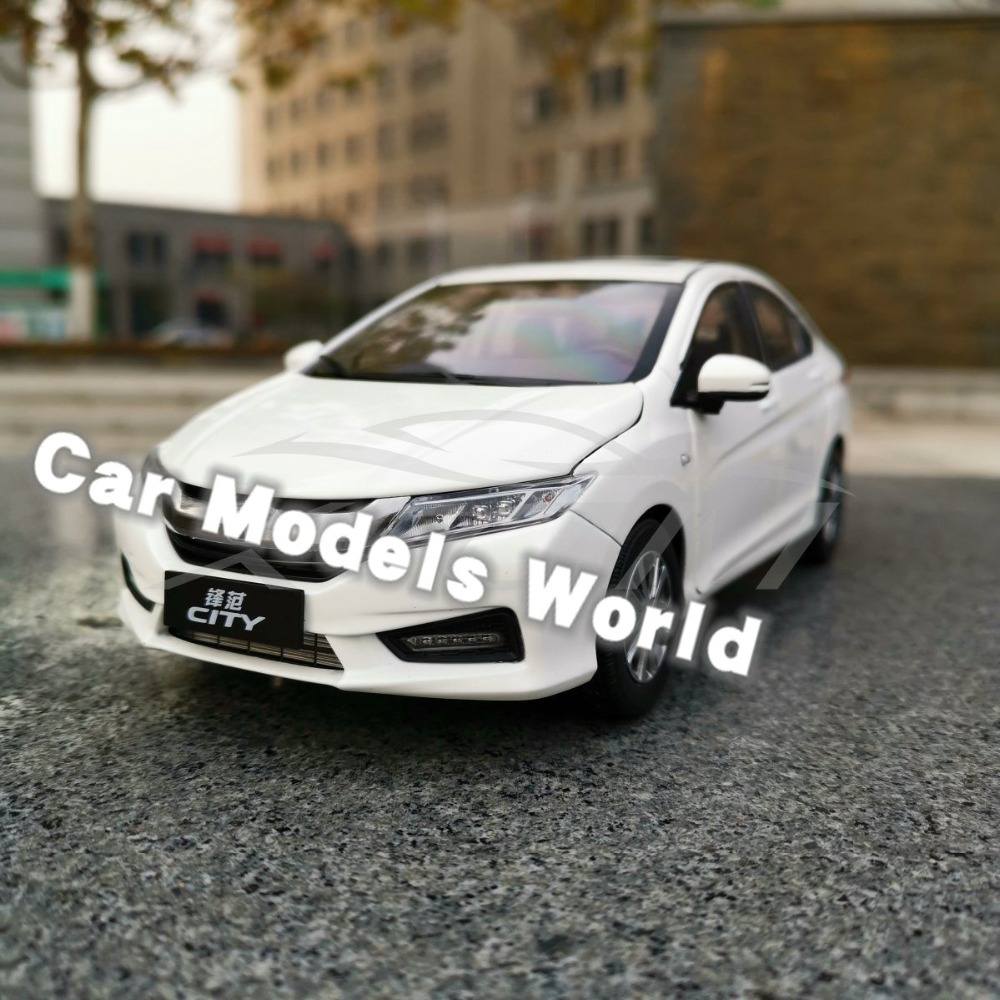 Diecast Car Model for New City 2018 1 18 White SMALL GIFT
