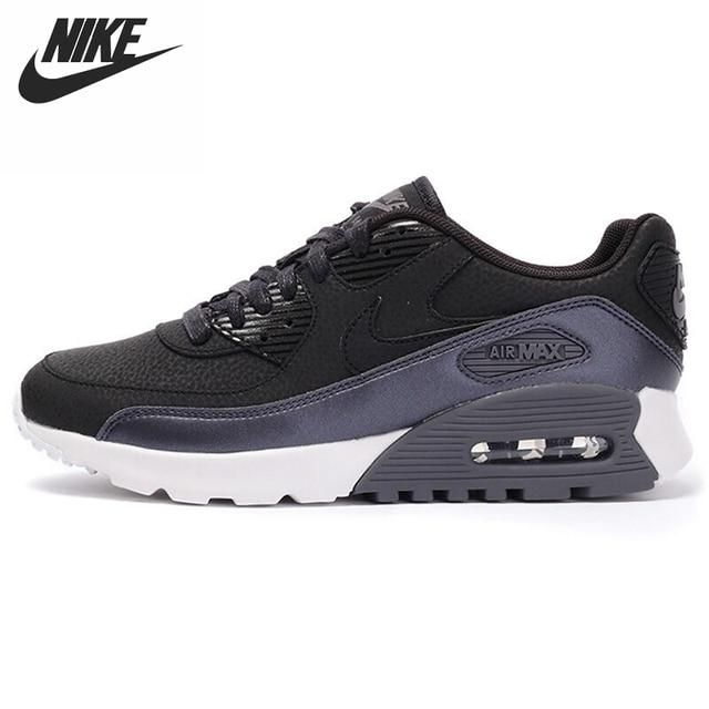 b Sepatu Sneakers Nike Air Presto   b