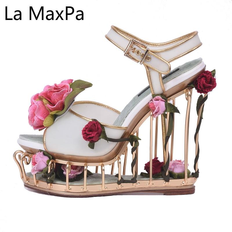 Printemps été nouvelles femmes chaussures fleur artistique talon nichoir sandales Rose creux jardin métal fête talons hauts