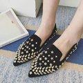 2017 Nuevos Zapatos de la Mujer Remaches de Microfibra Zapatos Planos de Las Mujeres Pisos Punta estrecha Zapatos de Primavera para Las Mujeres Scarpe Donne