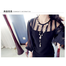 цена на 2019 New beautiful five petals pearl sweater chain women pearl necklace pendant necklace women lady Pearl jewelry gifts N003