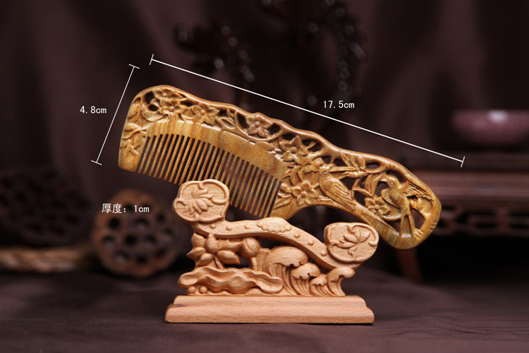 2pcs Magpie plum blossom green sandalwood comb wood carving sandalwood combs whole comb comb massage health high quality scalp massage comb 3 color mixed hair hair curls comb send elders the best gifts health care tools