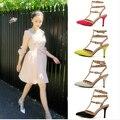 2016 EE.UU. Moda, Además de Zapatos de Tamaño Bombas Mujeres Sexy Punta estrecha Tacones Altos Hebilla Tachonado Sandalias Sapato Feminino Zapatos de mujer