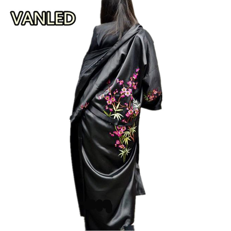 Vintage Chinese Style Satin Oversize Flower Embroidery Overknee Sunscreen Loose Women Summer Cardigan Coat