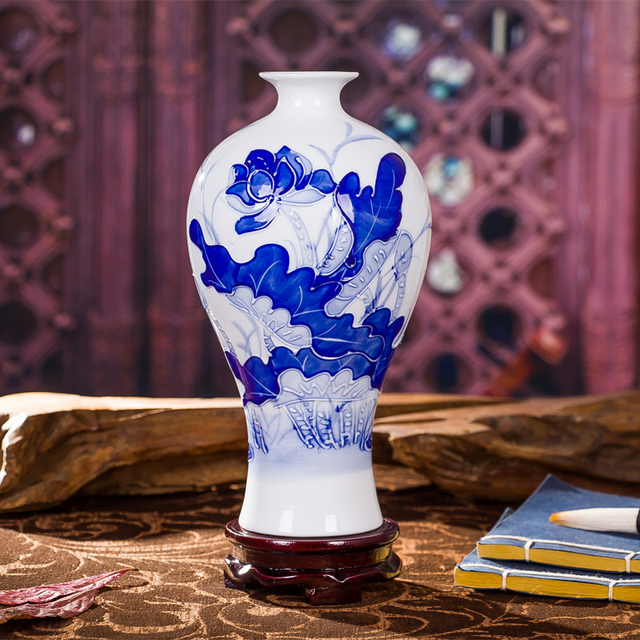 Jingdezhen Porcelain Vase Antique Blue And White Carved Vase