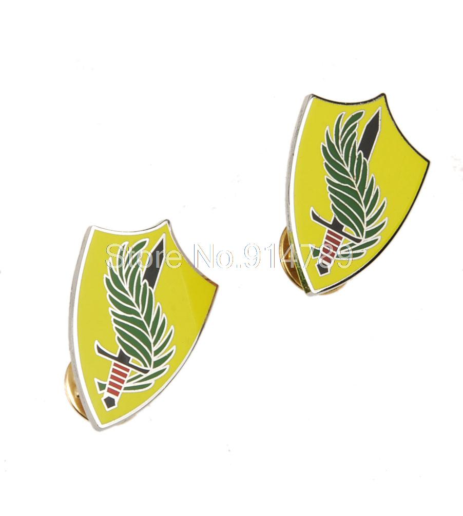 PAIR OF US ARMY SPECIAL FORCES METAL PIN BADGE-35109