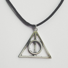 Harry potter deathly hallows necklace PL002(China (Mainland))