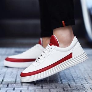 Image 4 - גברים של נעלי ספורט אביב לבן סניקרס פלטפורמת נעלי גברים נעליים יומיומיות שחור עור סניקרס נוח הליכה נעלי 2020