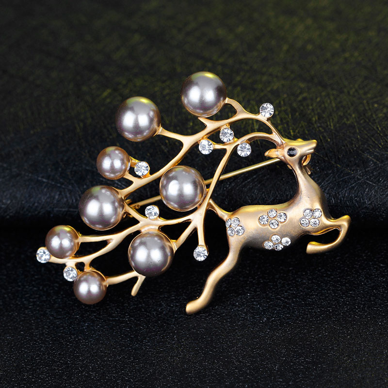 CHUKUI Cute Animal Deer Brooches Women Vintage Crystal Simulated Pearl Reindeer Brooch Pins Jewlery Shining Christmas Gift (6)