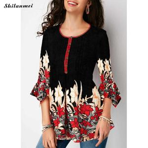 Image 3 - Women Blouse Three Quarter Sleeve Floral Print Causal Loose Tunic Women Blouse Shirts 2019 Fashion Plus Size Women Clothing 5XL