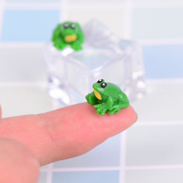 2pcs Little Frog Doll House Miniatures Cute Fairy Garden Gnome
