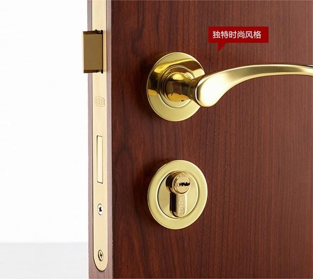 American European antique wooden door lock lock copper interior door  bedroom door handle door lock golden. American European antique wooden door lock lock copper interior