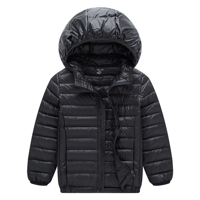 Ropa de 2017 Niños de La Manera de la chaqueta 90% de pato blanco abajo abrigos de invierno de las muchachas con capucha niños soild de prendas de vestir exteriores Abajo y Abrigos Esquimales 110-160