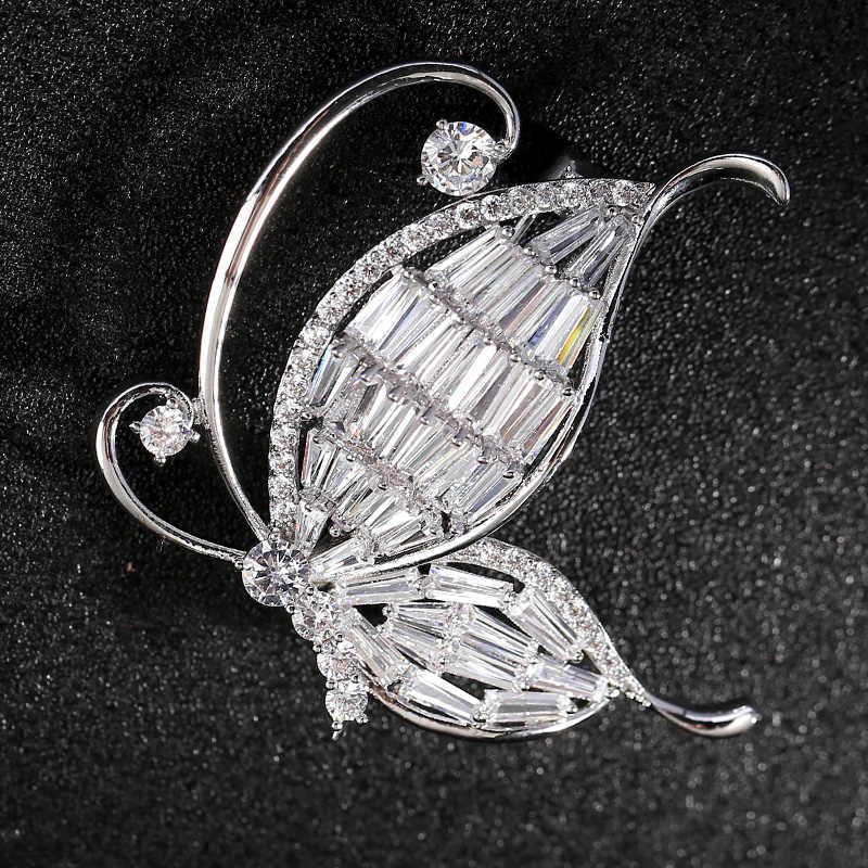 Butterfly Brooch White Crystal Rhinestone Bridal Gift Silver Wedding Brooches Dress Sash Cake Broaches broches de mulheres