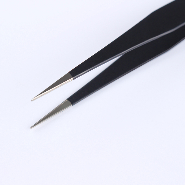 1Pc Black Color 3D Nail Rhinestone Nippers False Eyelash Curved Tip Tweezer Curved Eye Nail Art Makeup Cosmetic Nail Art Tools 4