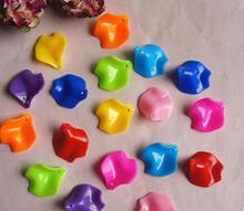 580pcs 25*28mm Beautiful Acrylic Flower Petal Beads With Hole For Hair Peice Tiaras Jewelry  Scrapbooking Craft DIY