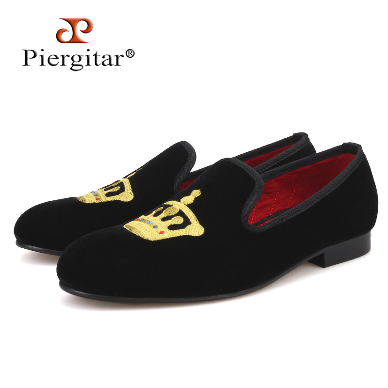 Piergitar Colorful Aristocratic Crown Embroidery Men Velvet Shoes Men Smoking Slippers Wedding and Party Men s