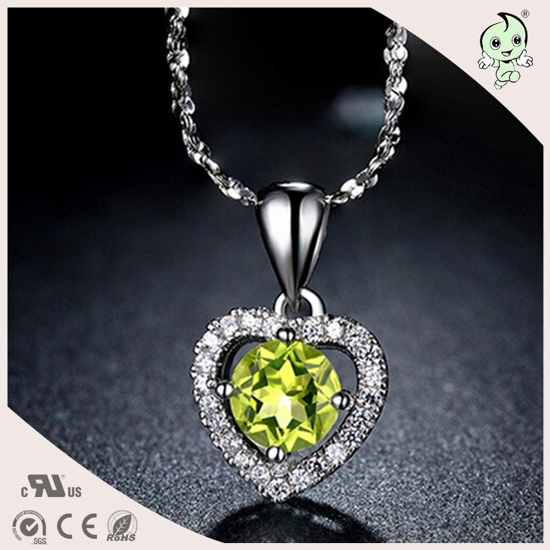 81b9d955e66 Boa Qualidade Do Amor Do Coração Projeto de Lei 925 Pingente de Prata Com  Peridoto Verde Para As Meninas