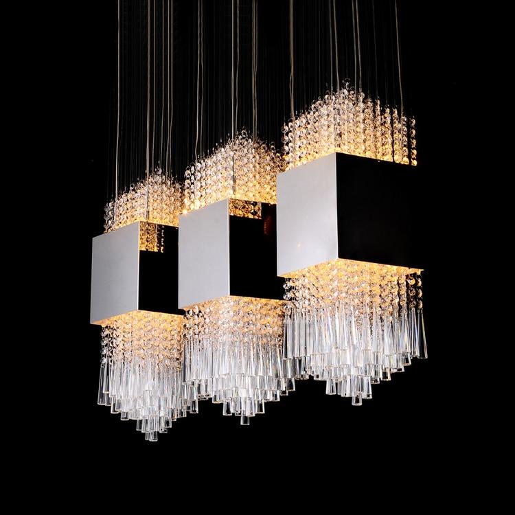 Lampadari Per Cucine Moderne. Mobile Bianco Con Cassetti A Colonna ...